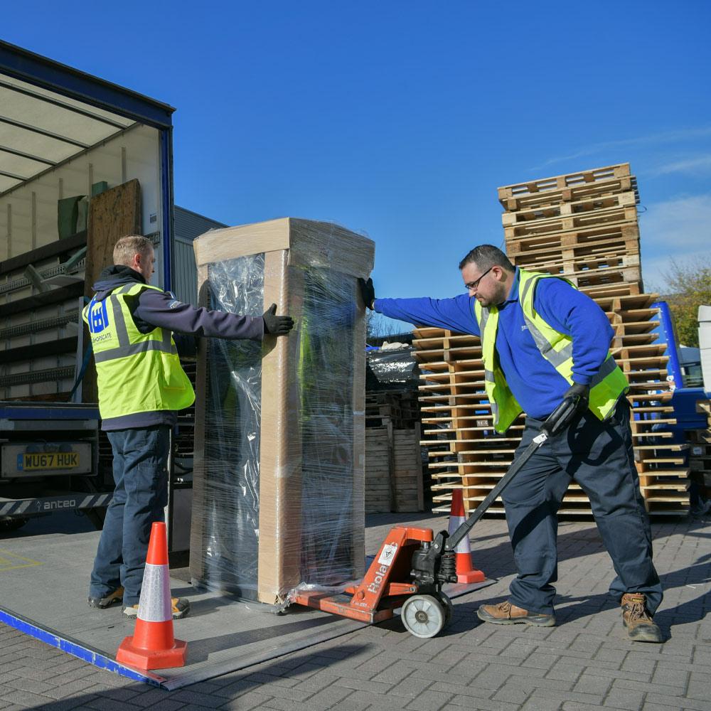 Loading-Server-Lorry