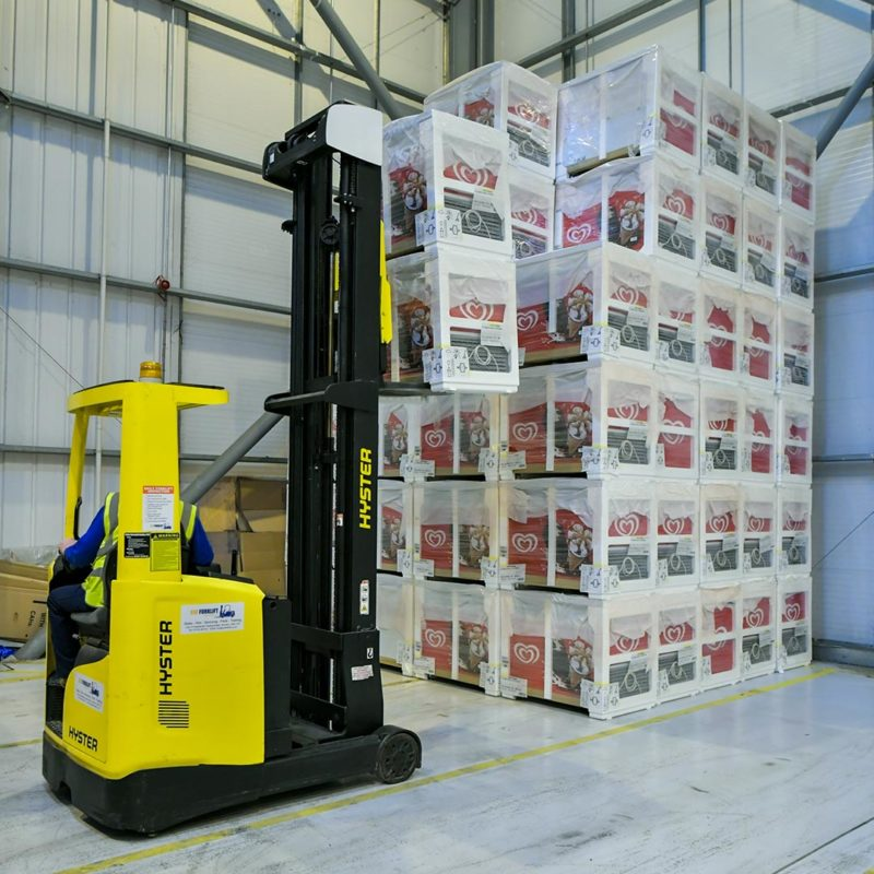 forklift-warehouse-sorting